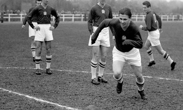 Ferenc Puskas huyền thoại bóng đá thế giới