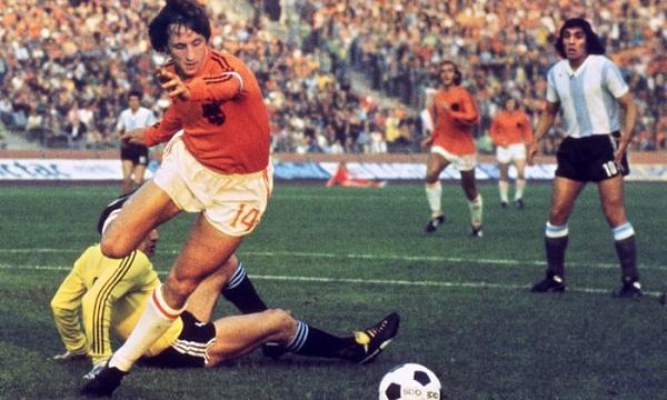 Johan Cruyff huyền thoại bóng đá thế giới