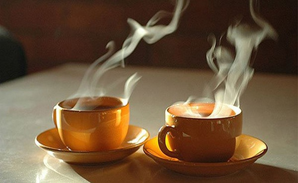 Uống trà quá nóng có thể gây nguy cơ ung thư